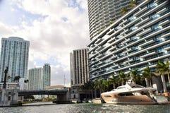 Мега шлюпка на реке Майами Стоковое фото RF