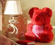 Медведь роз с сердцем стоковые изображения rf