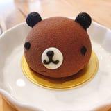 Медведь сформировал moussecake стоковые фото