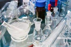 Медицинские трубки и склянки в лаборатории стоковое фото rf