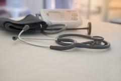 Медицинские euipments на офисе доктора Стоковая Фотография RF