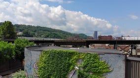Медленный покажите воздушную устанавливая съемку Lawrenceville Пенсильвании акции видеоматериалы