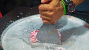 Медленн-mo делая естественное мороженое плода с плодом дракона и maracuya, концом-вверх акции видеоматериалы