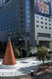 Медная рождественская елка в центре города Феникса, AZ стоковая фотография