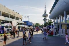 Международная ярмарка внутренности 83rd Thessaloniki, Греции с толпой Стоковые Фото