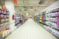 Междурядье Гонконг супермаркета стоковое изображение