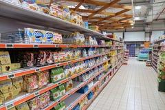 Междурядье печенья супермаркета Стоковые Фотографии RF