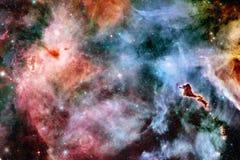 Межзвёздное облако и галактики в космосе r стоковые изображения rf
