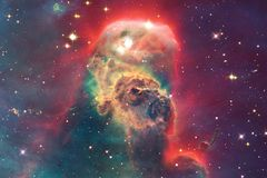 Межзвёздные облака и много звезд в космическом пространстве Элементы этого изображения поставленные NASA стоковые изображения