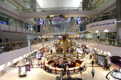 Международный аэропорт Дубай главный эпицентр деятельности авиации в Midd Стоковая Фотография