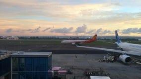 Международный аэропорт Ngurah Rai или международный аэропорт Денпасара сток-видео