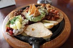 Мексиканская группа в составе еда Стоковая Фотография