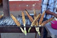 Мексиканская мозоль подготовила с lemos chile и солью Стоковое Фото