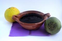 Мексиканская традиционная черная помадка sapote сделанная с апельсиновым соком Стоковые Изображения RF