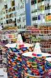 Мексиканские шляпы в туристском магазине Стоковые Изображения