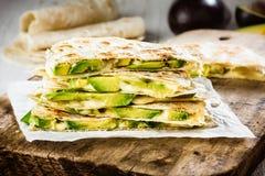 Мексиканский quesadilla авокадоа стоковые изображения rf