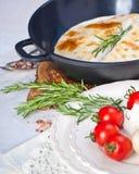 Мексиканский tortilla с сальсой заполнять, мозоли и овоща мяса Стоковые Фотографии RF