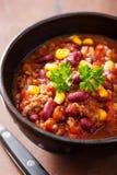 Мексиканское carne жулика chili в черном шаре стоковая фотография rf