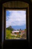 Мексиканський взгляд монастыря Оахака Санто Доминго от окна к городку c Стоковые Изображения