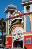 МЕЛЬБУРН, АВСТРАЛИЯ - 16-ое августа 2017 - Мельбурн Luna Park стоковое фото rf