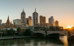 МЕЛЬБУРН, АВСТРАЛИЯ - 14-ое июля 2018: Взгляд Мельбурна Skyli стоковое изображение rf