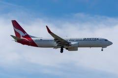 Мельбурн, Виктория, Австралия - 21-ое мая 2018: Qantas Airways Боинг 737 стоковые фотографии rf