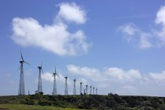 Мельницы ветра на Chalkewadi Satara, махарастре, Индии стоковые изображения rf