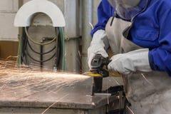 Меля работа в промышленной фабрике Стоковое Изображение RF