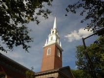 Мемориальная церковь, двор Гарварда, Гарвардский университет, Кембридж, Массачусетс, США Стоковые Изображения