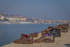 Мемориальные ботинки на банке Дуная стоковые фото