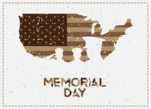 мемориал дня счастливый Винтажная ретро поздравительная открытка с флагом и солдат с прежней текстурой Надпись шрифта армии США п Стоковые Изображения