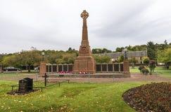 Мемориал мировой войны в садах Cavell, Инвернесс, Шотландия стоковое фото rf