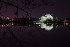Мемориал Jefferson против ночного неба Стоковые Изображения RF