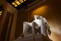 Мемориал Линкольна на ноче стоковые фотографии rf