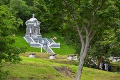 Мемориальный комплекс - общинная могила защитников Петропавловск-Kamchatsky от нападения авиаотряда Англо-француза в 1854 стоковое изображение rf