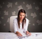 Менеджер перед столом офиса с концепцией направления стоковое фото rf