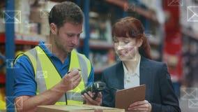 Менеджер склада говоря с ее работником акции видеоматериалы