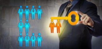 Менеджер HR открывая потенциал команды работы стоковое фото