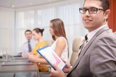 Менеджер высшего звена на встрече стоковая фотография rf
