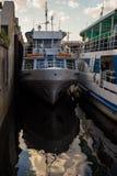 Меньшая автостоянка корабля на реке Dnieper Стоковое Изображение