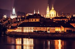 Меньшая башня моста городка, монастырь Strahov, церковь St Nicholas Стоковое Изображение