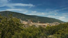 Меньшая деревня в Pre Alpes в южной Франции акции видеоматериалы