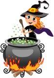 Меньшая милая ведьма хеллоуина подготавливая зелье Стоковое фото RF
