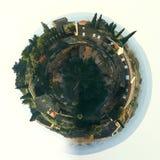 Меньшая планета сфера 360 градусов Панорама Gordes, красивой деревни на вершине холма в Франции бесплатная иллюстрация