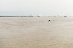 Меньшая хата в море на челке Taboon, Phetchaburi, Таиланде Стоковые Фотографии RF