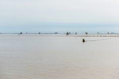 Меньшая хата в море на челке Taboon, Phetchaburi, Таиланде Стоковая Фотография