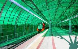 Меньшее кольцо железных дорог MCC Москвы, или MK MZD, 54 железная дорога орбитали 4-kilometre-long Россия Железнодорожный вокзал  Стоковое Изображение