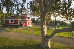 меньшее красное здание школы Стоковые Изображения RF
