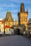 Меньшие башни моста городка на Карловом мосте в Праге, чехии Стоковые Изображения