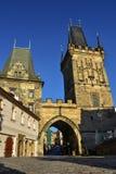 Меньшие башни моста городка на Карловом мосте Стоковые Фотографии RF